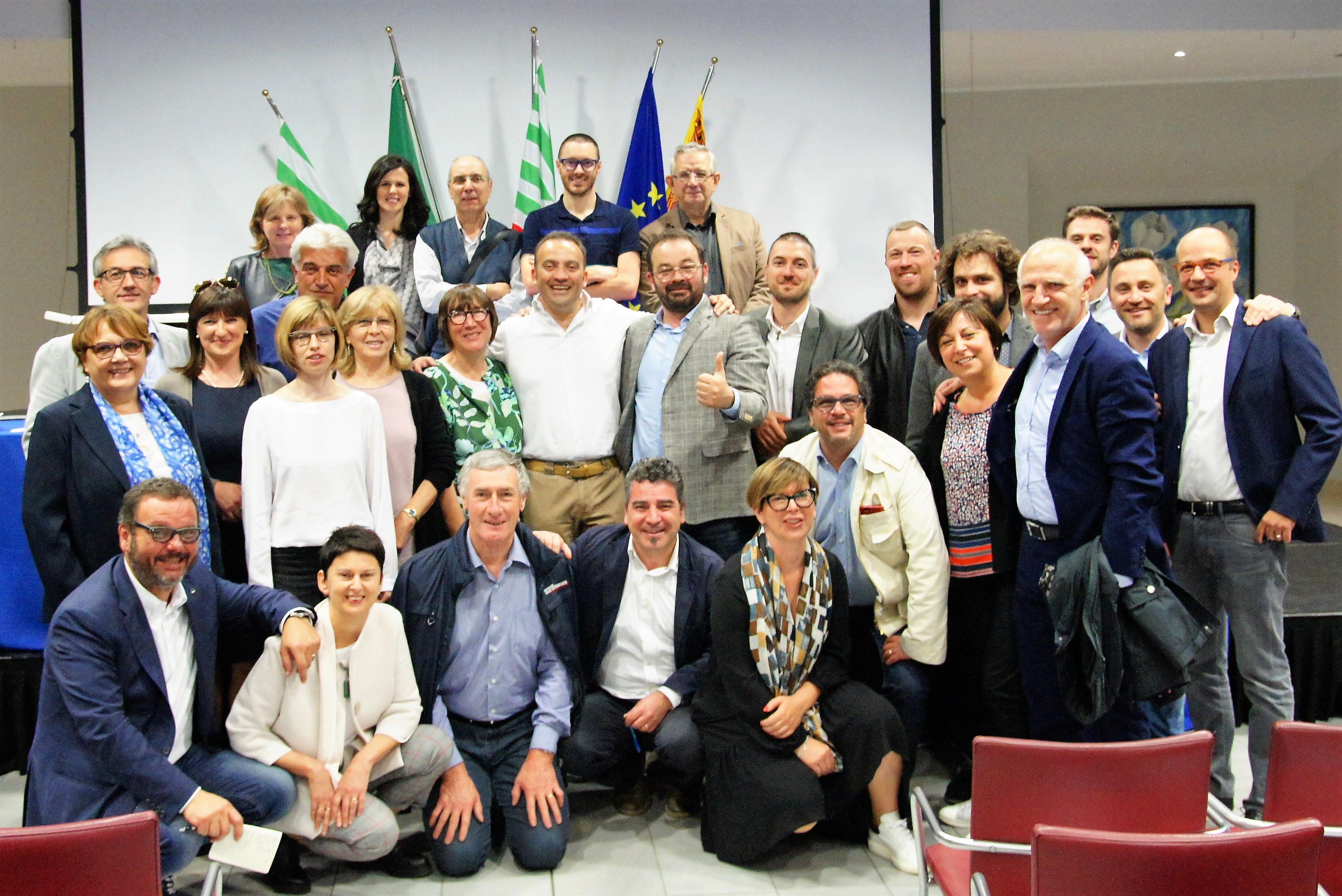 il gruppo dei rappresentanti di Categorie e Servizi della CISL di Vicenza presenti all'elezione di Gianfranco Refosco
